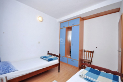 room1b